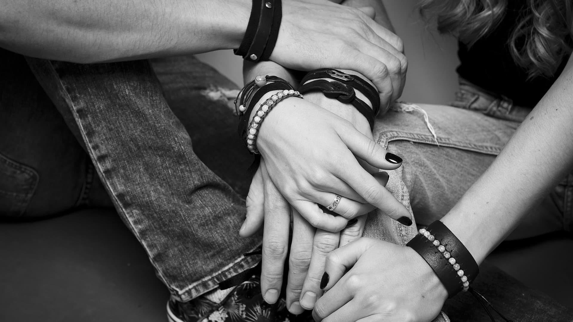 Pourquoi opter pour des bracelets en cuir pour hommes ?