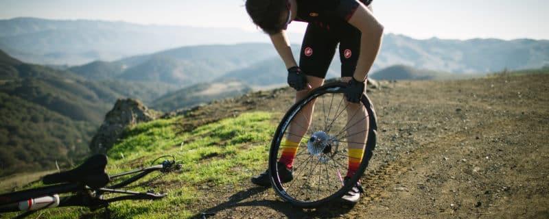 Comment réparer une roue de vélo?